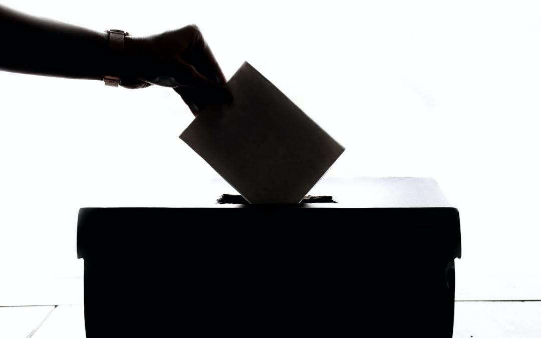 Les logos d'associations affichés sur un tract électoral sont constitutifs d'une manœuvre