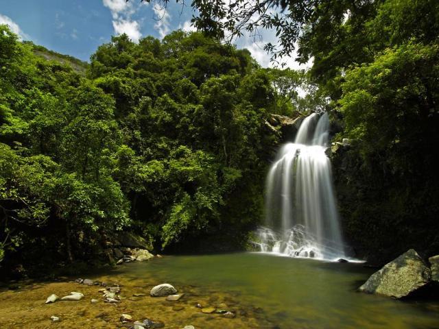 Bride's Pool Waterfall   船灣大美督新娘潭瀑布