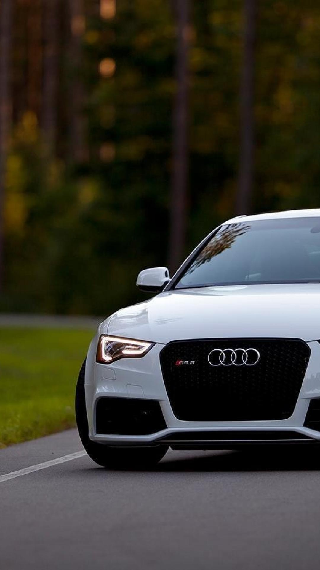 The apple iphone car apps can do some pretty amazing things. View Iphone Audi Car Wallpaper Png Picture Idokeren