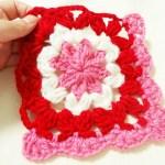 やっぱりアクリルタワシは簡単!シンプルでなくっちゃ!「すぐつくって、かわいくおそうじ かぎ針編みのアクリルたわし」からひとつ作ってみました!