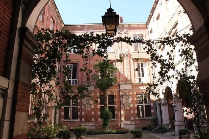 Hôtel de Montval - Travel Toulouse
