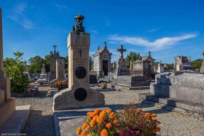 Renoir's grave - Essoyes Cemetery