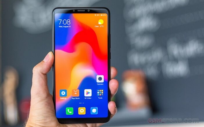 Xiaomi Mi Max 3 в руке