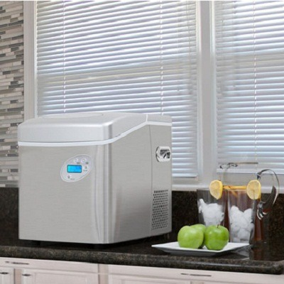 The Best Portable Ice Maker 3