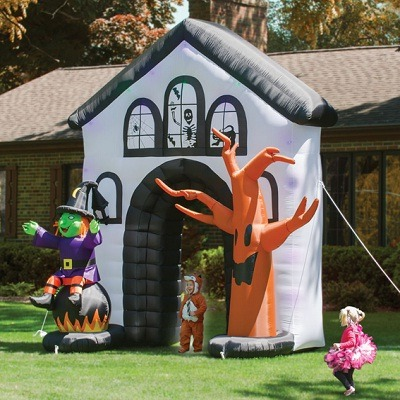 The Inflatable Howling Haunted House