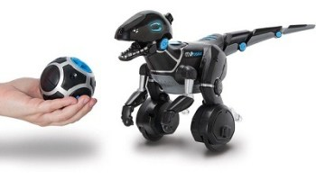 The Trainable Robotic Velociraptor