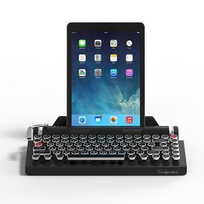 Classic-Typewriter-Keyboard