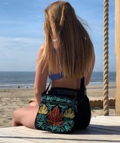 happy lona zwart blauw beach
