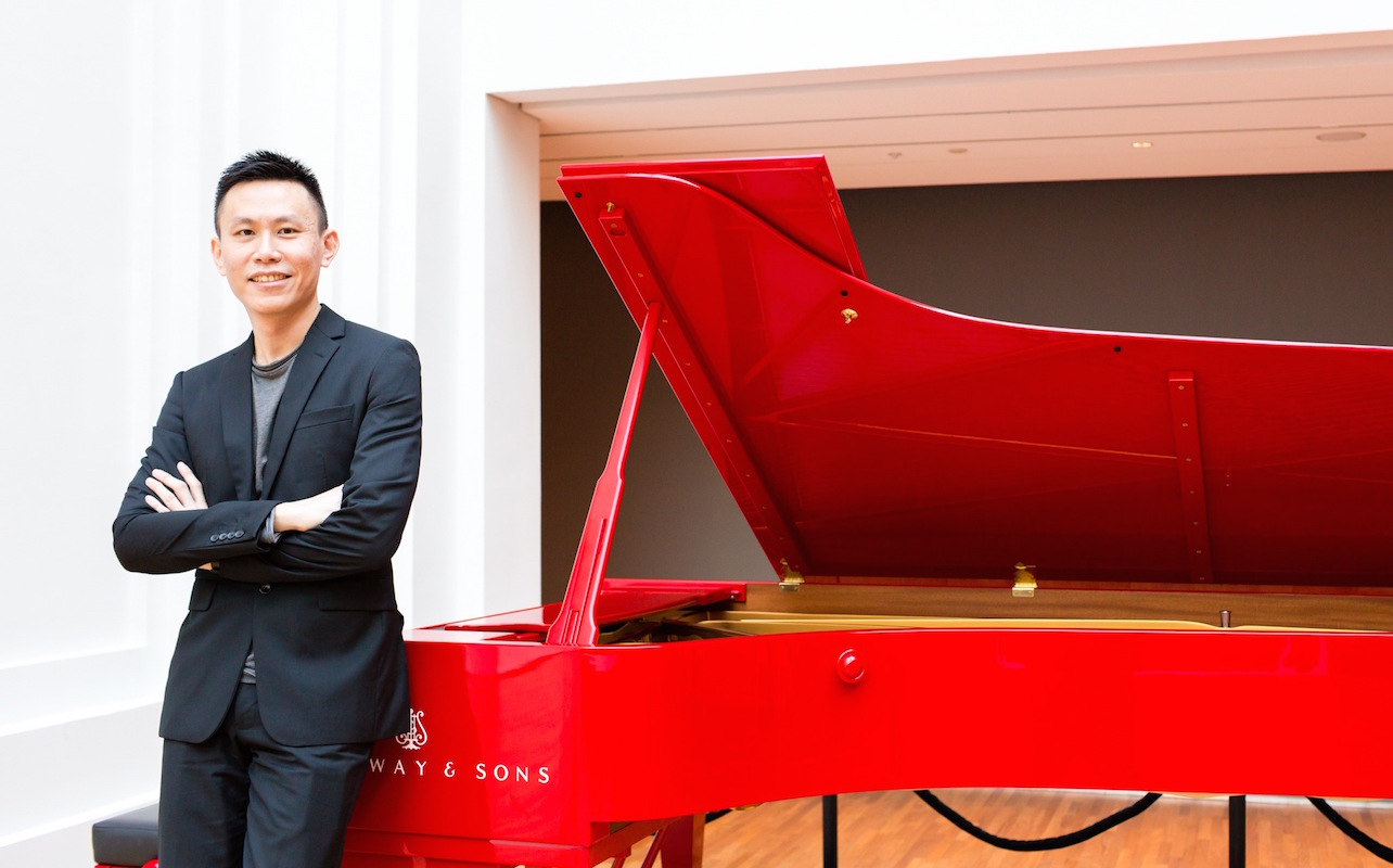tze-toh-and-red-piano