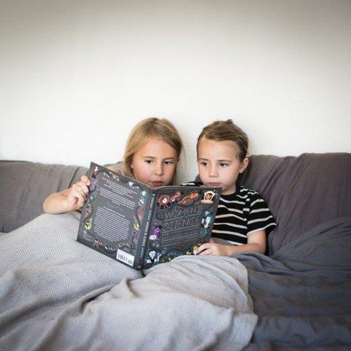 Arias reading to Ellia