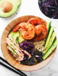 Low Carb Spicy Shrimp Sushi Bowls - delicious sushi bowls made with cauliflower rice and packed with flavor! Totally guilt free . www.itscheatdayeveryday.com