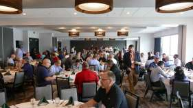 2017-annual-meeting-Lunch-Crowd-2