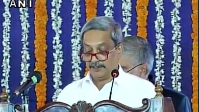 "Photo of ""365 X 5 years"" says Parrikar after taking oath"