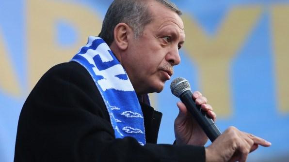 Turqia zhbllokon Twitter-in