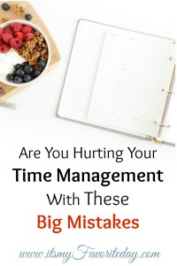 Even when we make every effort to manage our time, we can still find ourselves falling short and running out of time to accomplish all the things we want to. If you find yourself in this place, make sure you are not making these common time management mistakes. Great productivity tips, be sure to repin!