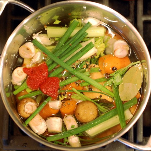 Vegetable Stock in the pot - INEEG