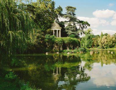 Bois de Vincennes Goes Nude
