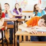 Monitorul educatiei si formarii 2017: Romania are cei mai slab pregatiti profesori din UE