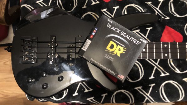 The Black Knight strung with DR Black Beauties!