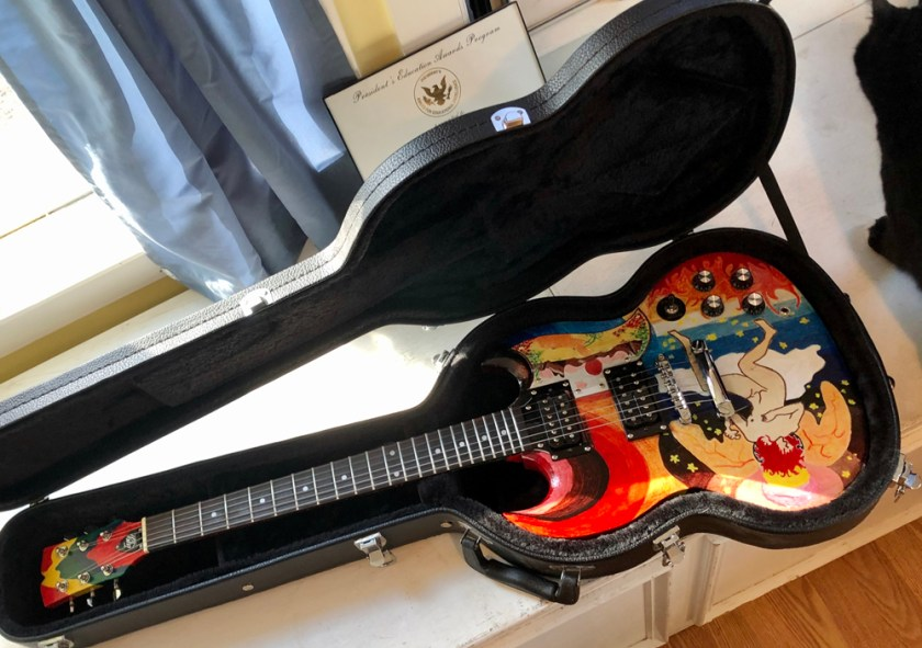 The IYG Fool comes with new hardshell case