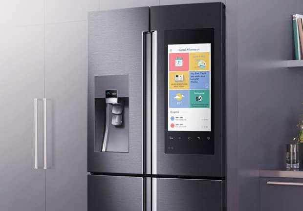 Samsung-Family-Hub-Smart-Fridge-itusers