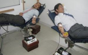 Employees of Konica Minolta taking part in Blood Donation Camp (2)