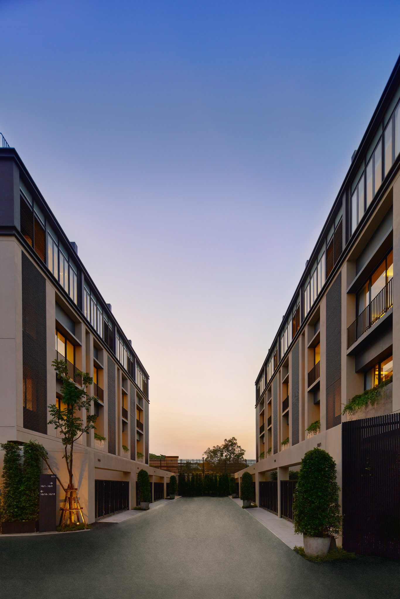 AIRES RAMA9 รีวิว Luxury Townhome 3.5 ชั้น + Rooftop ออกแบบสวย ย่านพระราม9 (ใกล้ รพ.สมิติเวช) 15 - AIRES