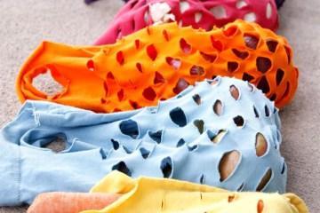 เปลี่ยนเสื้อยืดเก่าให้เป็นถุงจ่ายตลาดน่ารักๆ 18 - DIY