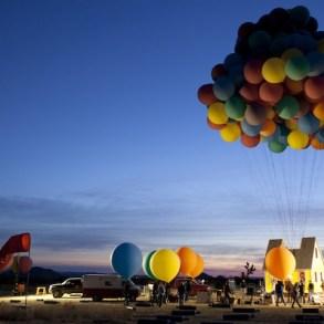 บ้านลอยได้ Floating house 25 - balloons
