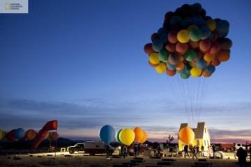บ้านลอยได้ Floating house 10 - balloons