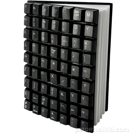 recycled-keyboard-notebook