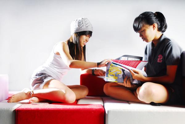 Seating Furniture; TAT-Tris 23 - LIVING