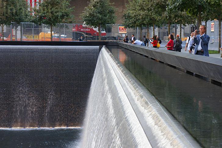 911 Memorial Reflecting Waterfall สถานที่รำลึกเหตุการณ์ 9/11 ที่ Ground Zero เปิดแล้ว