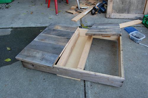 5362557286 9f14af271b D.I.Y.โต๊ะปลูกต้นไม้..จากลังไม้เก่า
