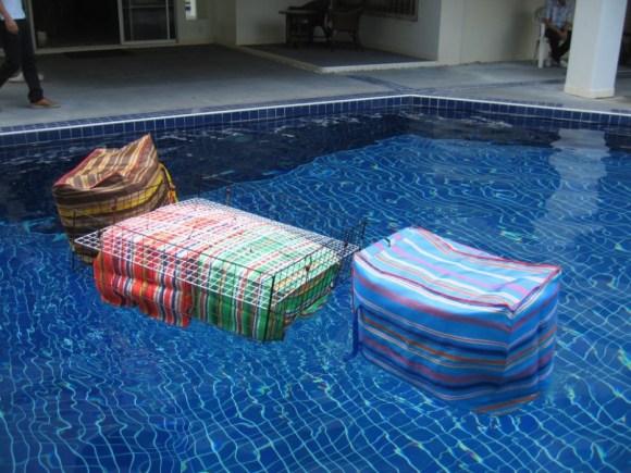 Floating pouches สร้างเรือจากกระเป๋าลอยน้ำแบบไทยๆ 18 - floating