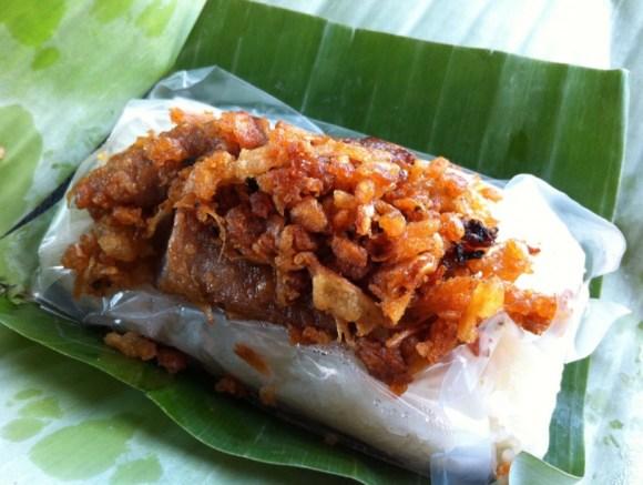 ข้าวเหนียวหมูห่อใบตอง..สินค้าเขียวแบบไทยๆช่วยน้ำท่วม 15 - flood