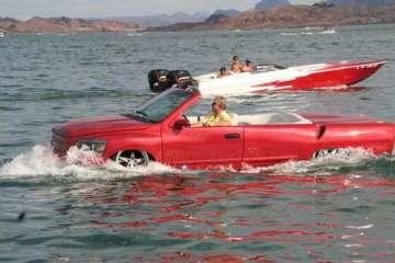 Python..รถสะเทิ้นน้ำสะเทิ้นบกที่แล่นในน้ำได้เร็วสุด