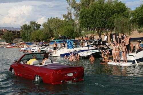 Python..รถสะเทิ้นน้ำสะเทิ้นบกที่แล่นในน้ำได้เร็วสุด 17 - flood
