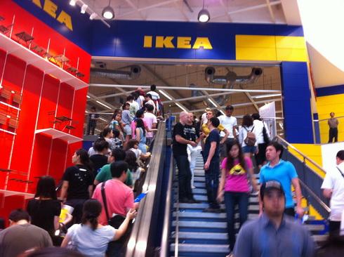IKEA เปิดแล้ว..คนแห่ไปกันแน่นห้าง 3 - IKEA (อิเกีย)