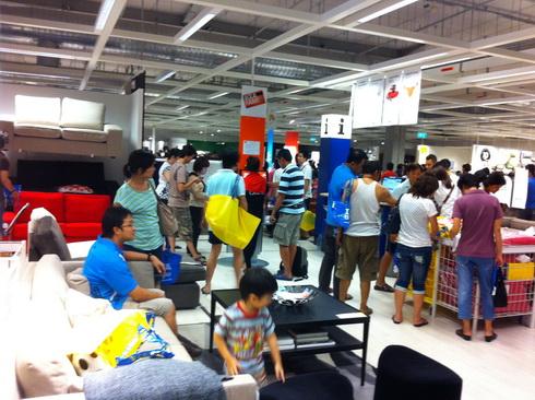 IKEA เปิดแล้ว..คนแห่ไปกันแน่นห้าง 20 - IKEA (อิเกีย)