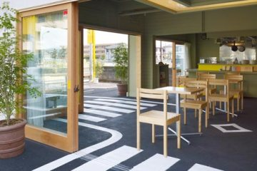 Cafe/day By suppose-design-office ร้านกาแฟบนที่จอดรถ