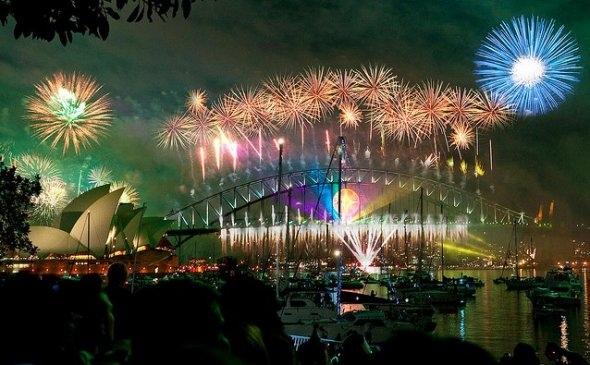 25550101 185722 2012 Countdown..ดอกไม้ไฟเหนือน่านฟ้าเมืองต่างๆ สวยงามแค่ไหน