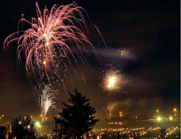 25550101 191051 2012 Countdown..ดอกไม้ไฟเหนือน่านฟ้าเมืองต่างๆ สวยงามแค่ไหน