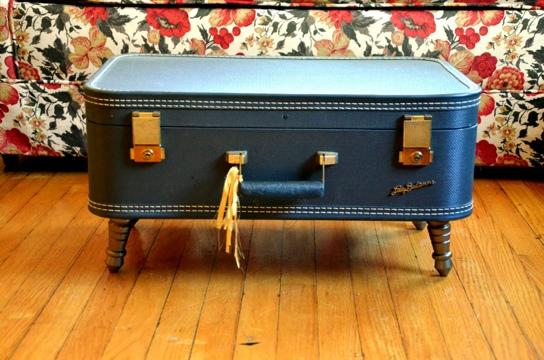 D.I.Y.โต๊ะจากกระเป๋าเดินทางเก่า 13 - DIY