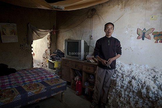 261 20101015 Wuzhengjun age39 Farmer Shaanxi 009 BAI XIAOCI ช่างภาพชาวจีน กับผลงานสร้างชื่อ i Live Here