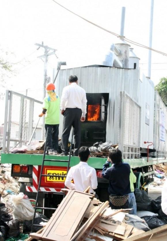 MobileBurn05 580x837 Mobile Burn เตาเผาขยะเคลื่อนที่ฝีมือคนไทย..กำจัดขยะถึงที่ ไร้มลพิษ ประหยัดพลังงาน และค่าขนส่ง