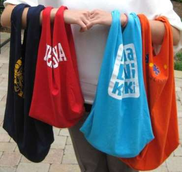 เสื้อยืดเก่า..เอามาทำถุงจ่ายตลาดเท่ๆกัน 20 - DIY