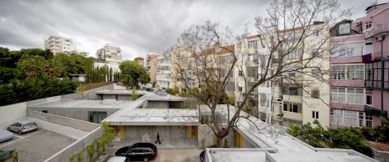 Ricardo Bak Gordon   Santa Isabel Houses   Lisbon 550x229 Santa Isabel Houses อพาร์ทเม้นท์ที่ถูกหลบซ่อน