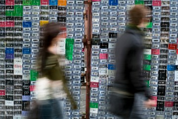 เปลี่ยน cassette tapes ให้กลายมาเป็นของใช้ใหม่ 2 - cassette tapes