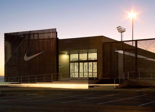 soweto football2 Soccer Centre ศูนย์การฝึกอบรมฟุตบอลของ Nike ในแอฟริกาใต้